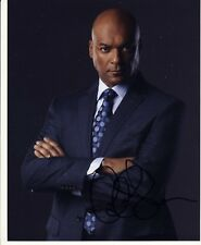 [5035] Colin Salmon ARROW Signed 10x8 Photo AFTAL