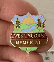 Vintage Metal Enamel WEST MOORS MEMORIAL Bowling Club Association Pin Badge