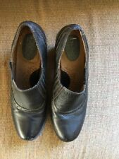 """B.O.C.Born Concept Women's Black Leather Clogs Shoes Size 11 M 3"""" Heels"""