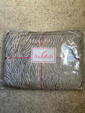 $850 NWT Ann Gish Tigress Taupe 100/% SILK QUEEN Gathered Bedskirt Animal Print