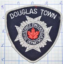 CANADA, DOUGLAS TOWN FIRE DEPT SERVICE D'INCENDIE QUEBEC PATCH