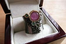 925 SILVER PINKY RED RUBY & GREEN EMERALD RHODIUM GOLD WIDE BAND RING SZ P 8