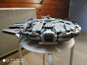 LEGO STAR WARS - 4504 - Millenium Falcon - avec boîte