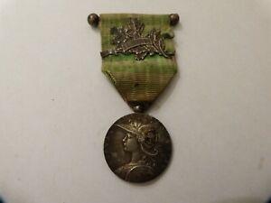 Médaille 2e expédition Madagascar commémorative militaire ordre France 1895