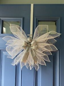 ANGEL TREE TOPPER / DOOR WREATH 20' X 20' WITH SILVER BOW