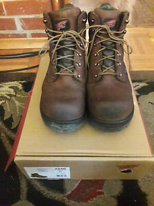 REDWING mens work boots size 10.5 stock #2240
