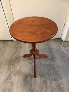 Beautiful Vintage Small Round Occasional Tripod Table Side Table Wine Table