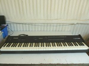 Alesis QS8 64 Voice Master Controller Synthesizer Electronic Keyboard/Piano