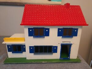 1969 Triang Crest Cottage Dolls House