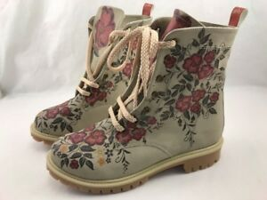 """""""Goby"""" Hand Made & Vegan Leather Boot Style Size 9.5 Beige & Floral New Stunning"""