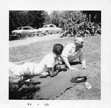 MEN PICNIC LYING ON GRASS 1950s CARS - MYSTERY BEEFCAKE VTG GAY INT PHOTO 199