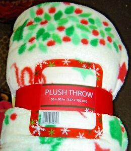 Northpoint Plush THROW Blanket 50 x 60 Holiday Green RED Star Holly SOFT Bed NEW
