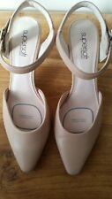 Supersoft Diana Ferrari Ladies Nude Heels Size 9C As New Condition