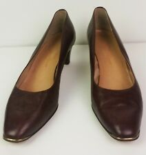 Vintage Etienne Aigner cordovan pumps brass tips and heal details Ea6029 sz8
