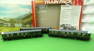 Hornby R369 BR 3 Car Diesel Multiple Unit Class 110 DMU green mint boxed OO(j)