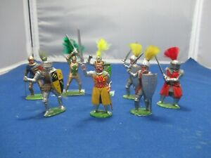 Eight knights on Foot including King Arthur by Timpo