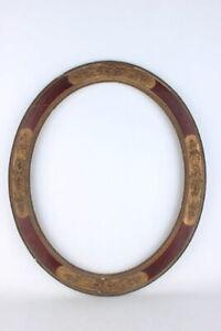 Antiker ovaler Rahmen mit Rosen