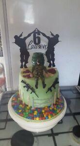 personalized cake topper (fortnite)