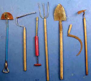 Garden tool set  - 1/12 scale  dollhouse miniature