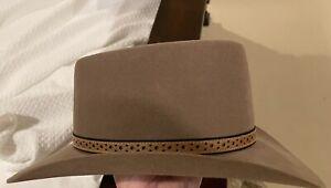Akubra hat. Size 59. Made in Australia. Pure Fur Felt. Beautiful hat.