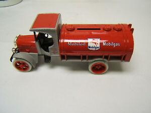 MIB ERTL 1925 Mobilgas Kenworth Tanker Bank 1:30 scale Diecast