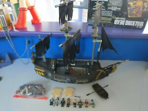 Pirates of the Caribbean Black Pearl Mega Blocks Building Set 1066 At Worlds End