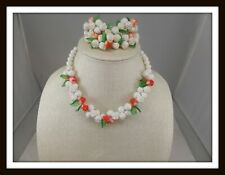 Vintage White Acrylic Flower Bead Jewelry Set w/Green Acrylic Leaves #6649