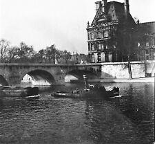 PARIS c. 1947 - Remorqueur Péniche Le Louvre  - Négatif 6 x 6 - N6 P61