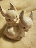 Vintage Enesco White Bunny Rabbit Salt & Pepper Shaker Set, CUTE Easter.