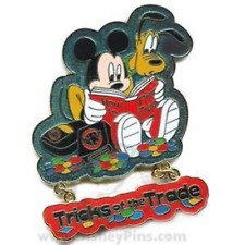 Disney Pin 51493 DLR Trading Nights 2006 Tricks of the Trade Mickey Pluto LE #