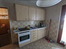 Gebrauchte Beige Küchenzeile mit Elektrogeräten (Backofen, Herd, Spüle)