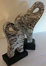 Set of 2 Wooden Elephants Silver Washed Design modern, stature/ornament