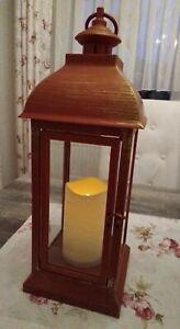 ELAMBIA Outdoor-Laterne mit Tür inkl. 1 LED-Kerzen Timer rot gold schebby