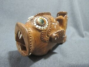 Trobriand Islands shell eyes inlaid mother of pearl carved Wood Fish