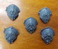 Warhammer 40k Bits:Adeptus Custodes Warden Shoulder Pads - Engraved Set