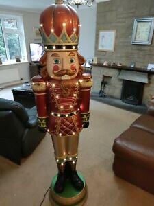 Lifesize Toy King Statue 1.8 Metres High, 6.3. Christmas
