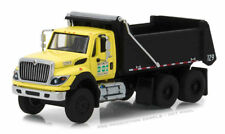 1/64 GREENLIGHT 2017 International WorkStar Dump Truck New York City