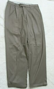 Gray Pleated Dress Pants 32 Waist 30 Inseam Savane Polyester Solid Mens Mans P19
