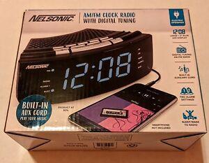 Nelsonic AM/FM Clock Radio with Digital Tuning