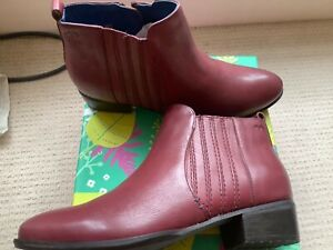 Moshulu Braeburn Cranberry Ankle Boots. New In Box. Size 39