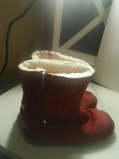 kids red ugg boots size4 with zipoer