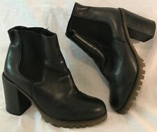 Deena&Ozzy Black Ankle Leather Lovely Boots Size 5 (112v)