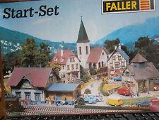 Faller H0 80 Start-Set Bahnhof, Kirche, Pension, Feinkost, Feuerw 5 Bausätze NEU