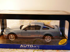 AUTO ART 2005 FORD MUSTANG GT BLUE LIMITED ART. 73014 1:18  NEW
