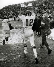 Cfl 60's Ottawa Rough Riders Russ Jackson Holding the Grey Cup 8 x 10 Photo Pic