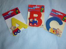 ABC  Holz- Buchstaben mit Bärchen,  für Kinderzimmertüre, Schrank, etc.