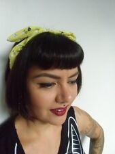 Serre tête fin semi rigide noeud tissu jaune fleurs liberty coiffure rétro pinup