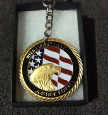 TWIN TOWERS 9/11 COMMEMORATIVE SOUVENIR SILVER COIN/MEDAL KEYRING KEYCHAIN