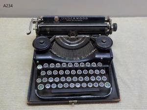 Vintage Underwood Standard Portable Typewriter RARE