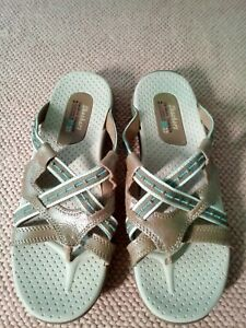 SKECHERS OUTDOOR LIFESTYLE LEATHER Thongs Flip Flops Sandals Sz 8